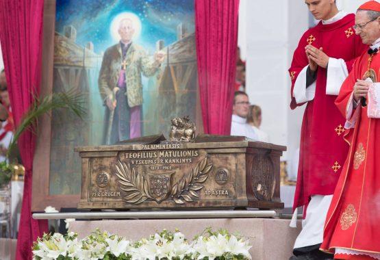 Parapijiečiai Teofiliaus Matulionio beatifikacijos iškilmėse