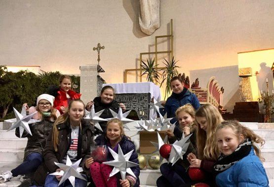 Kalėdų eglė papuošė bažnyčią '2017